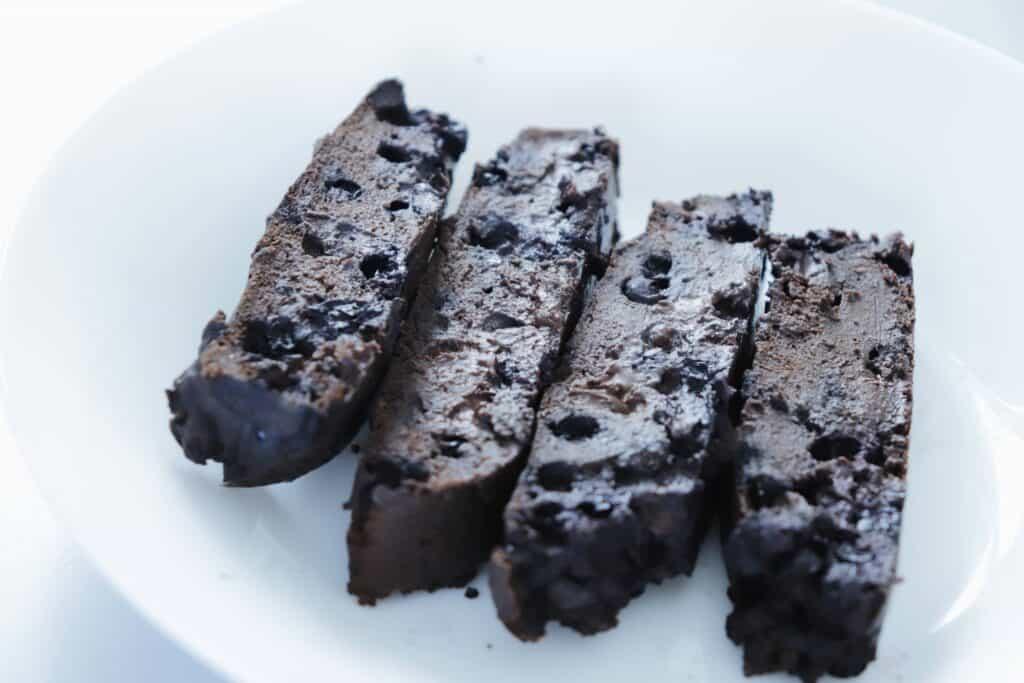 Vegan Chocolate Blueberry Cake - Almost Zero Waste