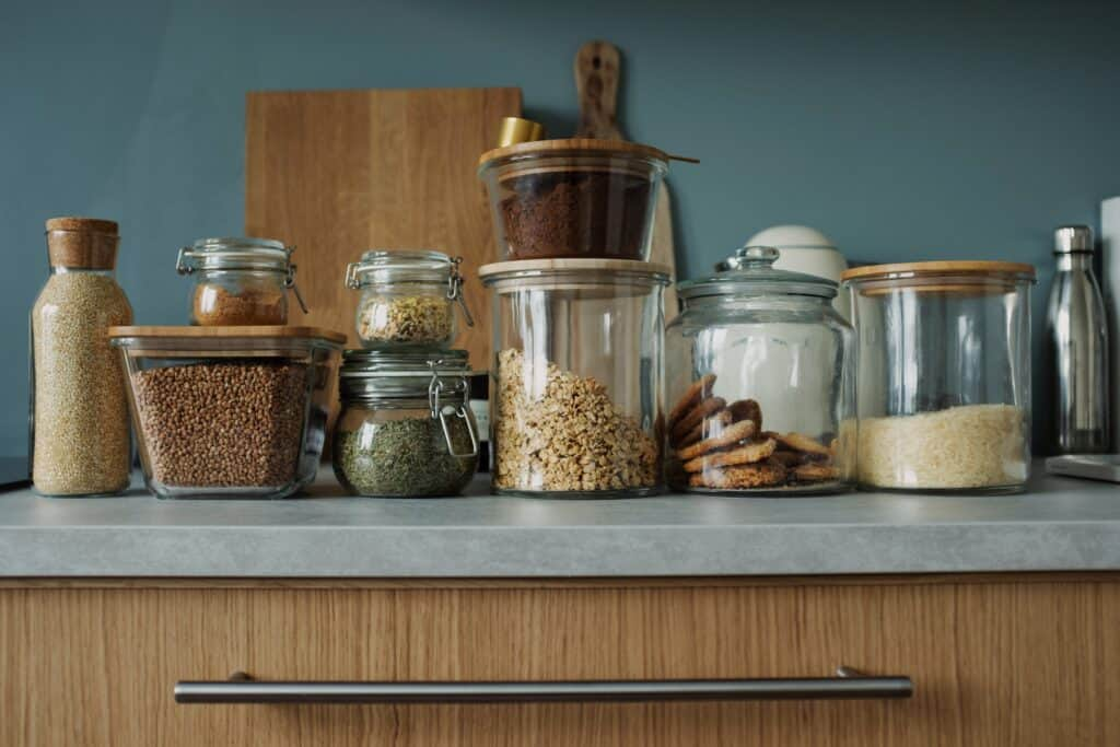 How To Become A Minimalist In 30 Days (30 Day Challenge) - Almost Zero Waste