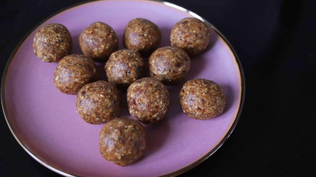 Date And Peanut Butter Energy Balls