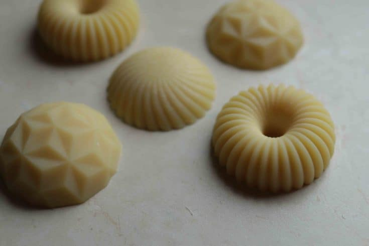 Non-Greasy Lotion Bar Recipe (Vegan & Without Beeswax) - Almost Zero Waste